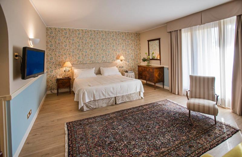 Guest room at Regina Adelaide.