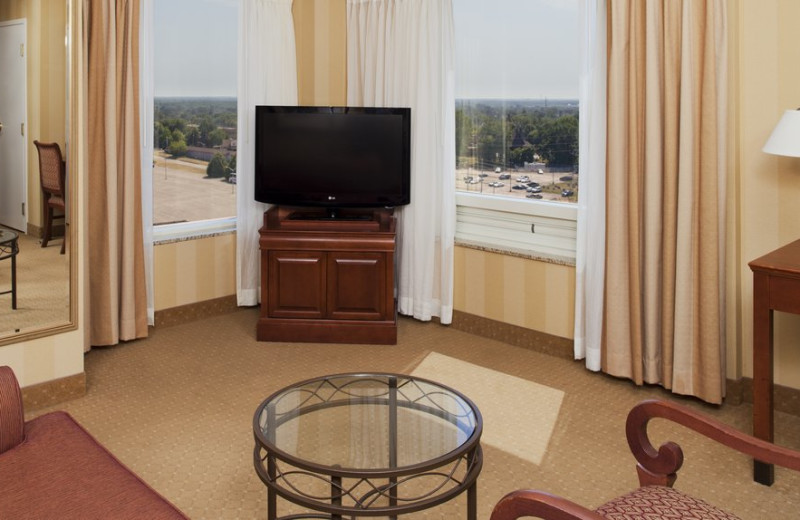 Guest room at DoubleTree Fallsview.