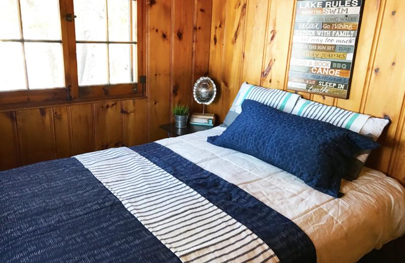 Cabin bedroom at Grandview of Lake Kabetogama.