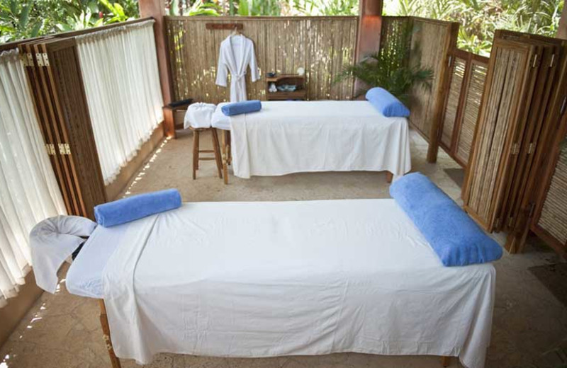 Massage tables at Hotel Capitán Suizo.
