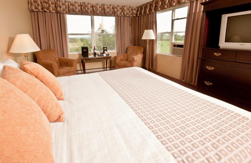 Guest room at Rodd Mill River Resort.