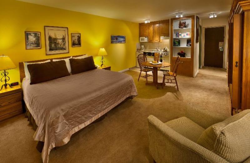 Bedroom at Aston Lakeland Village.