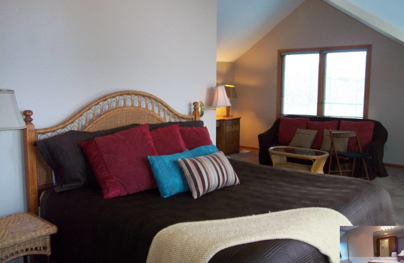 Guest room at Pheasant Valley B & B.