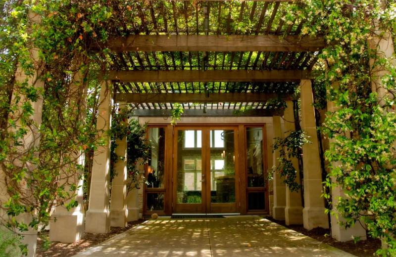 Garden trellis at Travaasa Austin.
