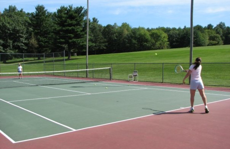 Tennis at Sunny Hill Resort & Golf Course.