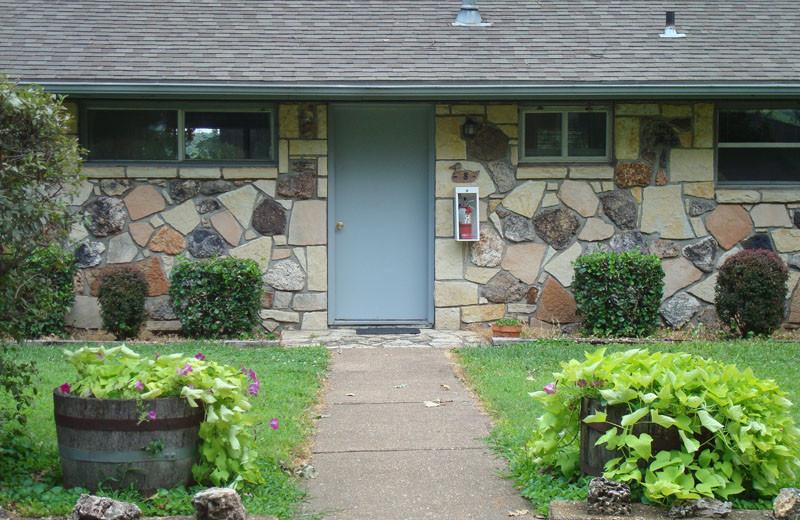 Cottage exterior at Mallard Point Resort.