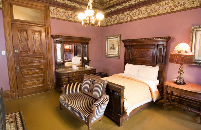 Guest suite at Chateau Tivoli Bed & Breakfast.