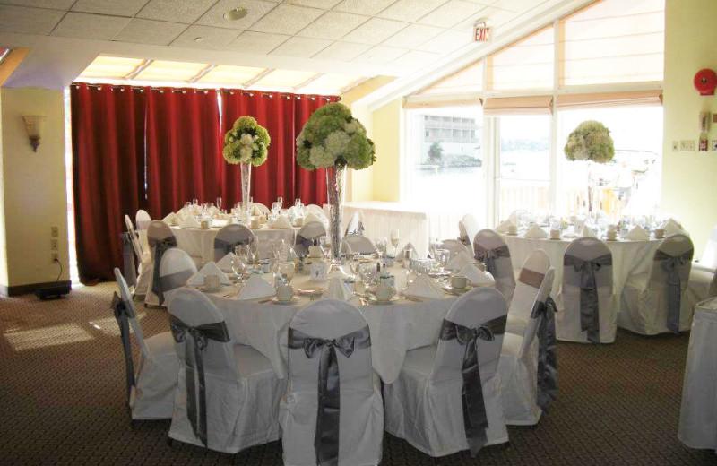 Weddings at The Riveredge Resort.