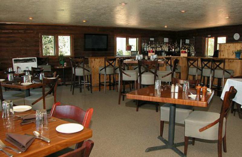 The Lakeside Restaurant at Lakeside Lodge