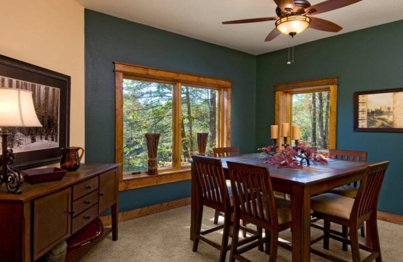 Condo dining room at Highland Rim Retreats.
