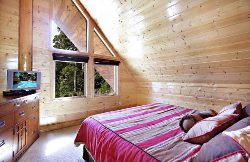 Vacation rental bedroom at Stony Brook Chalets.