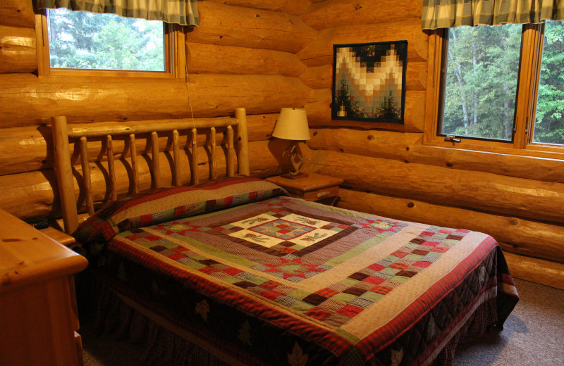 Cabin bedroom at Cascade Lodge.