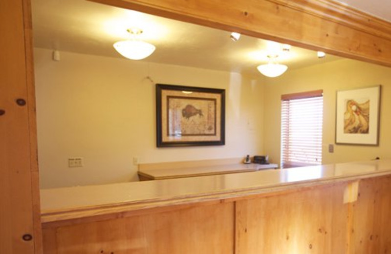 Front desk at Bryce View Lodge.