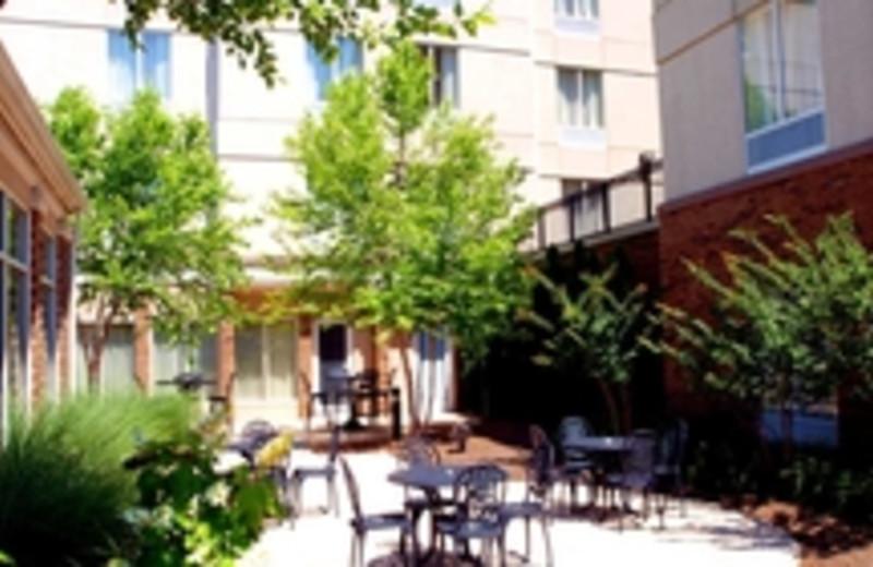 outdoor patio at hilton garden inn knoxville - Hilton Garden Inn Knoxville