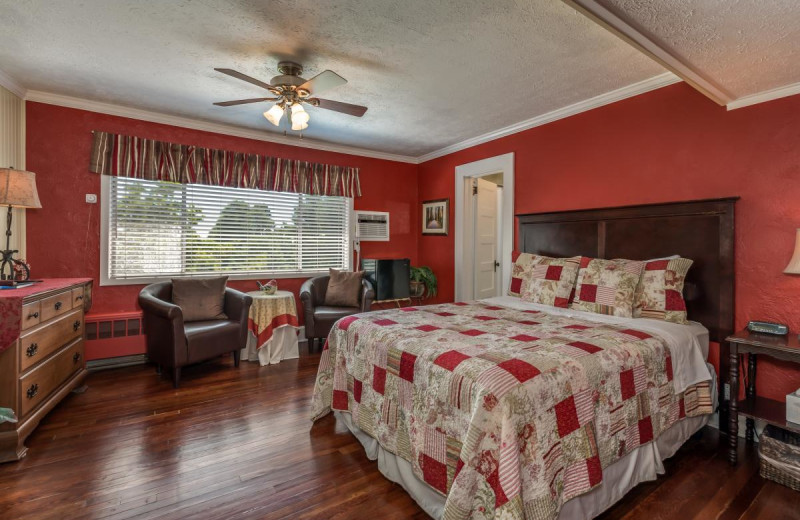 Guest room at Echo Mountain Inn.