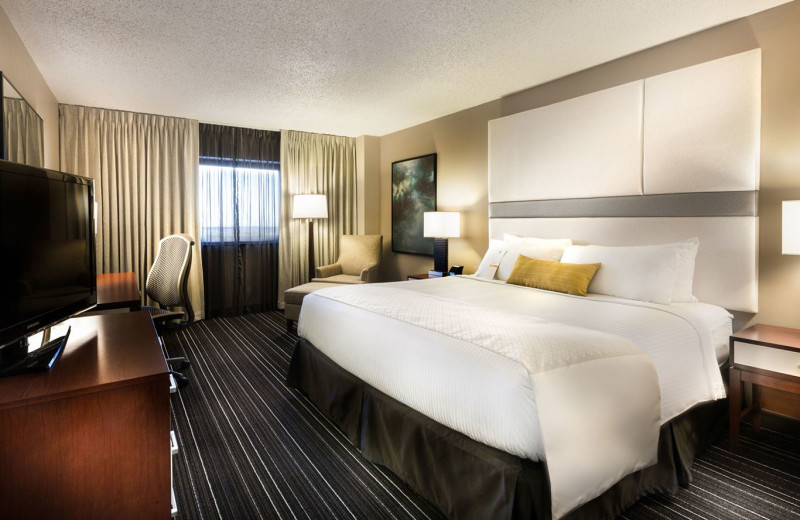 Guest Room at Wyndham Houston West Energy Corridor