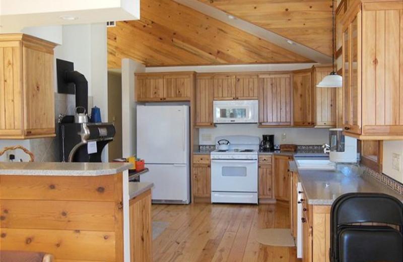 Cabin kitchen at Idaho Cabin Keepers.