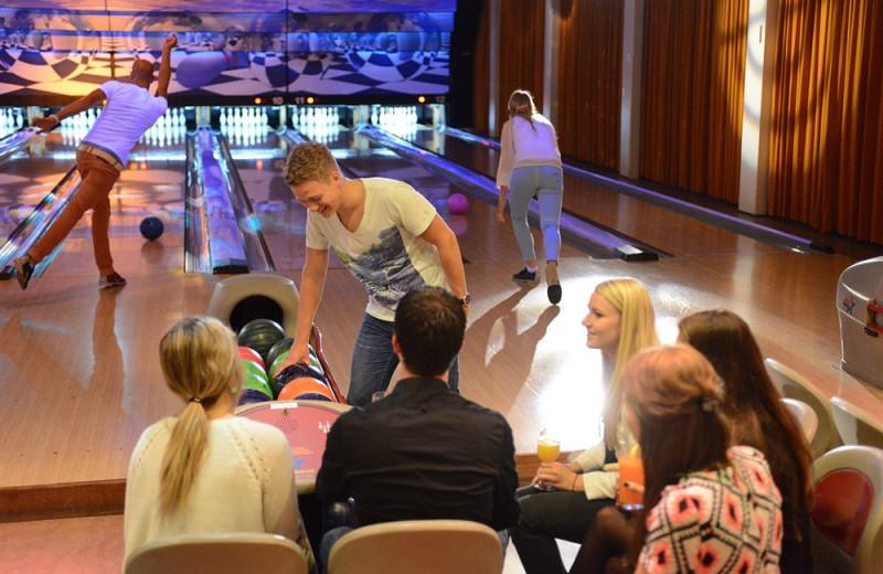 Bowling at Zoeten Inval.