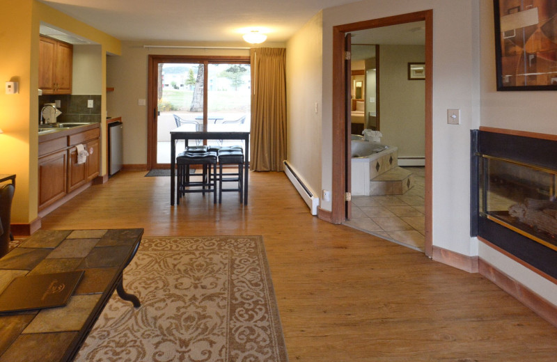 Guest living room at Murphy's Resort.