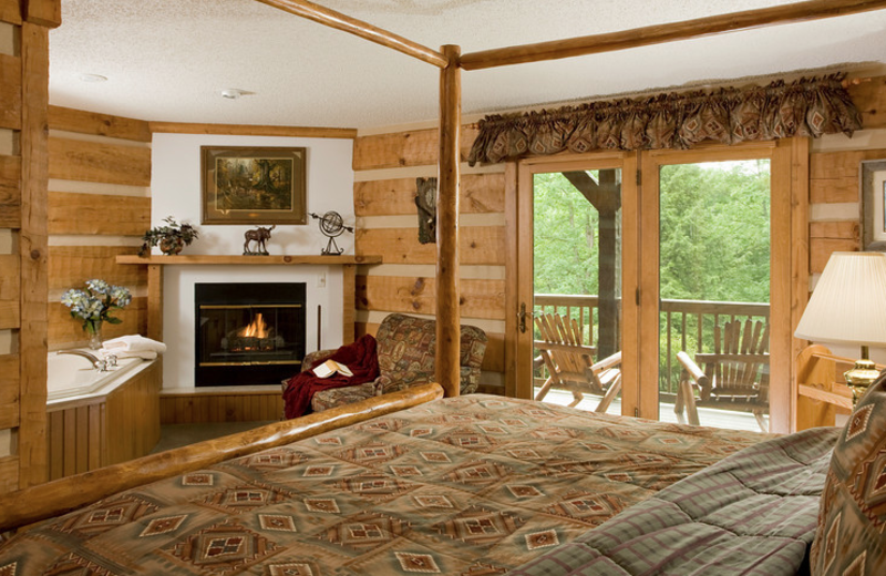Guest room at Gateway Lodge Country Inn Resort & Spa.