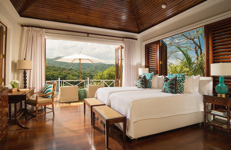 Guest room at Round Hill.