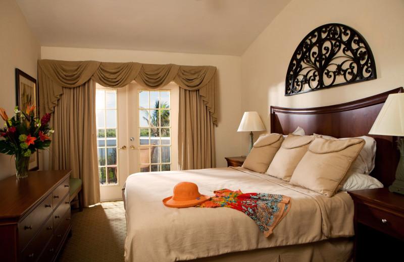 Guest suite at 'Tween Waters Inn Island Resort.