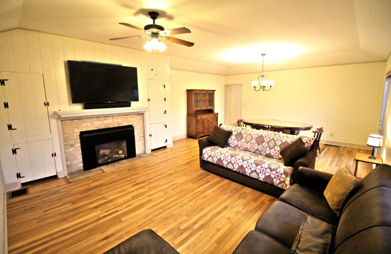 Guest living room at Peach Tree Inn & Suites.