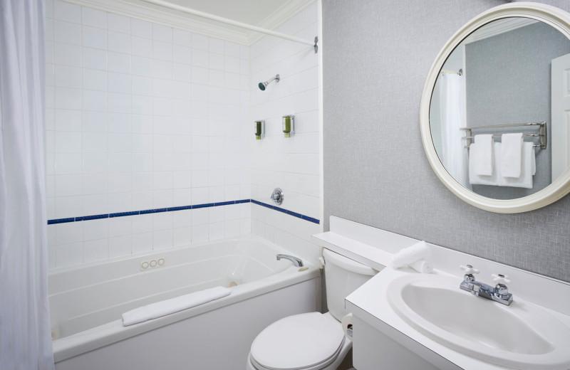 Guest bathroom at Sir Sam's Inn & Spa.
