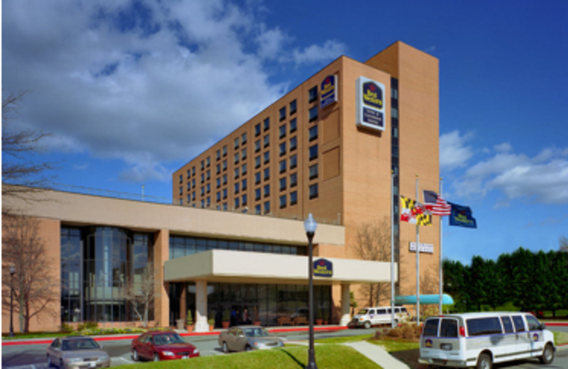 Front entrance to Best Western Baltimore.