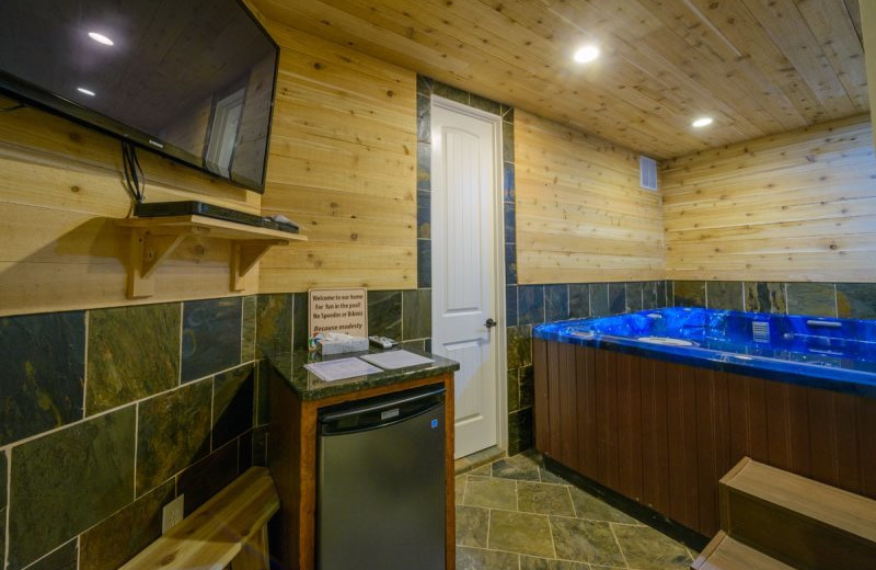 Cabin hot tub at Family Time Vacation Rentals.