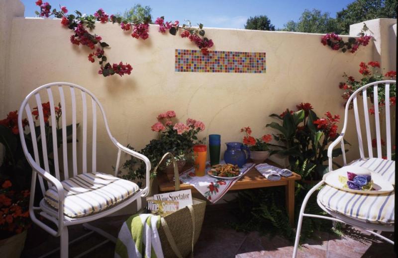 Private patio at Sonoma Creek Inn.