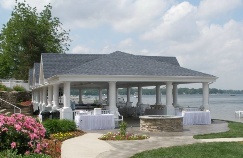 Special occasions at Bay Pointe Inn.