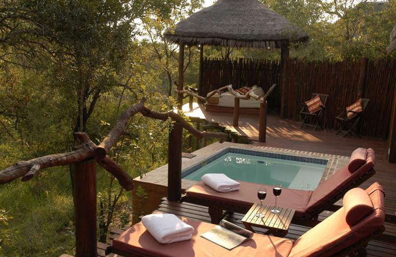 Hot tub at Simbambili Game Lodge.
