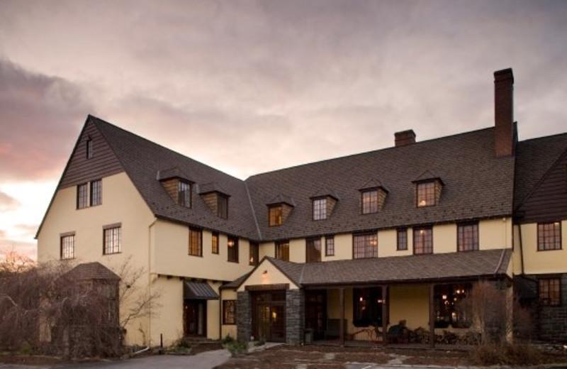 Exterior of The Settlers Inn