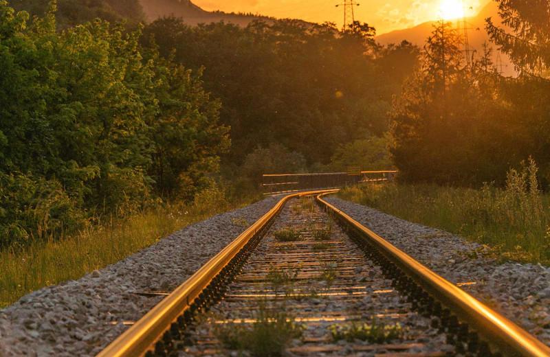 Railway tracks at Amazing Branson Cabin Rentals - RentBranson.
