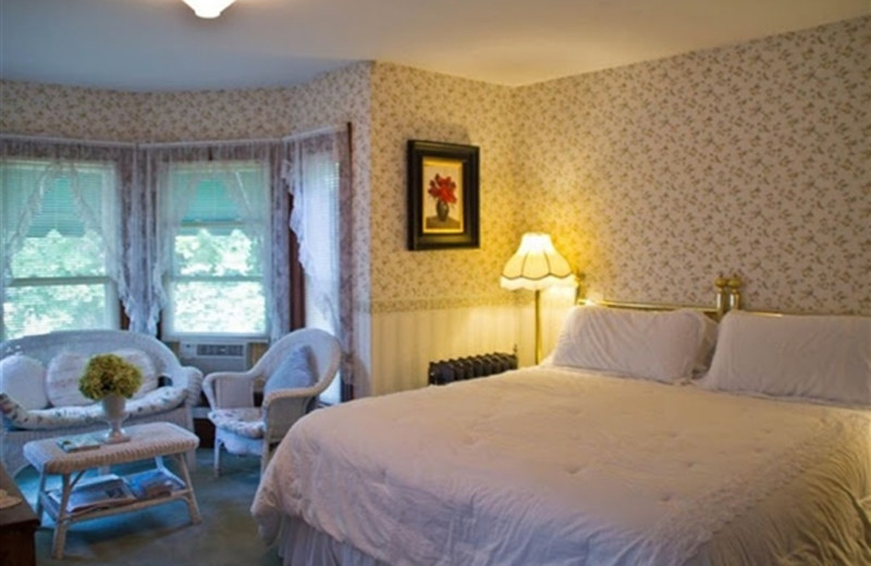Guest Room at Harbour Towne Inn