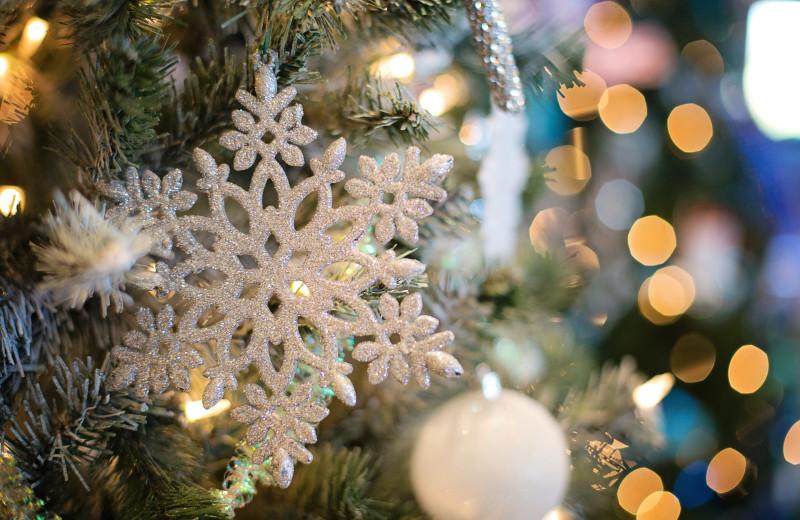 Christmas at Riverbank Motel & Cabins.