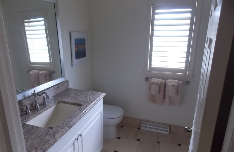 Guest bathroom at Fairway Suites At Peek'n Peak Resort.