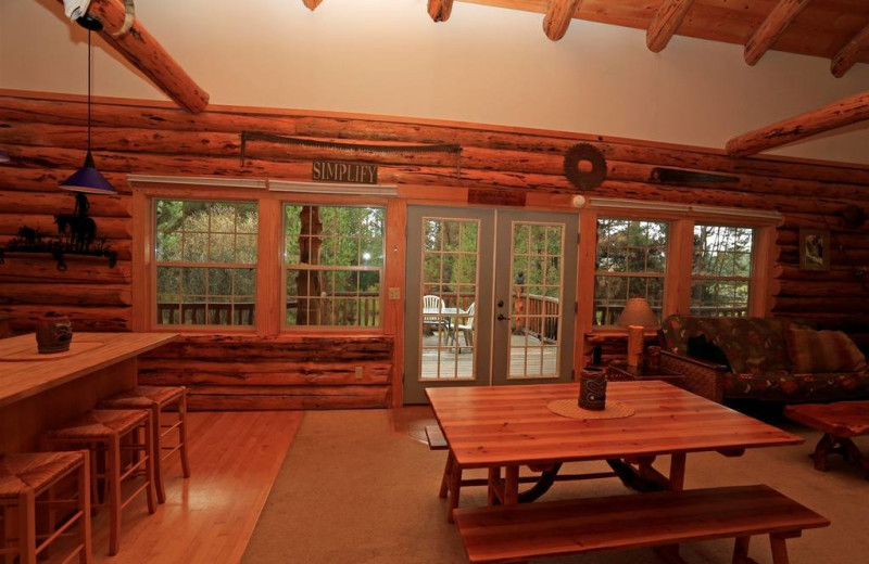 Guest dining room at DiamondStone Guest Lodges.