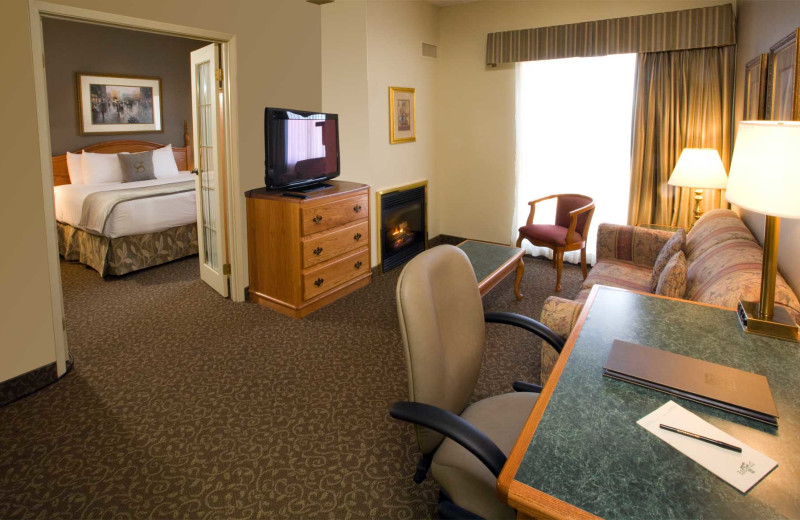Guest suite at Stone Gate Inn.