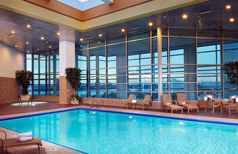 Indoor pool at Courtyard by Marriott Detroit Downtown.