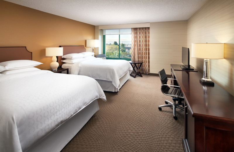 Guest room at Sheraton San Jose Hotel.