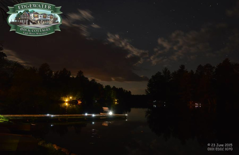 Night time at Edgewater Inn & Cottages.