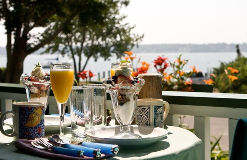 Breakfast on the patio at Stirling House Bed & Breakfast.