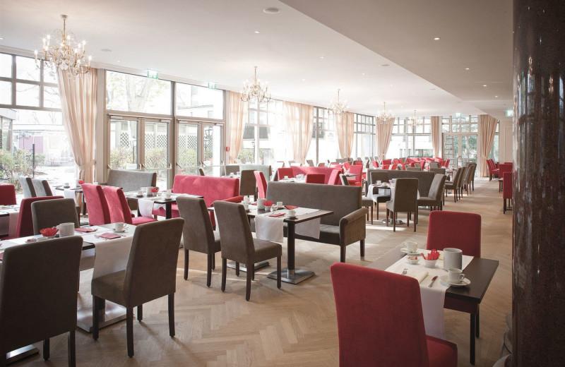 Dining at Parkhotel Schönbrunn.