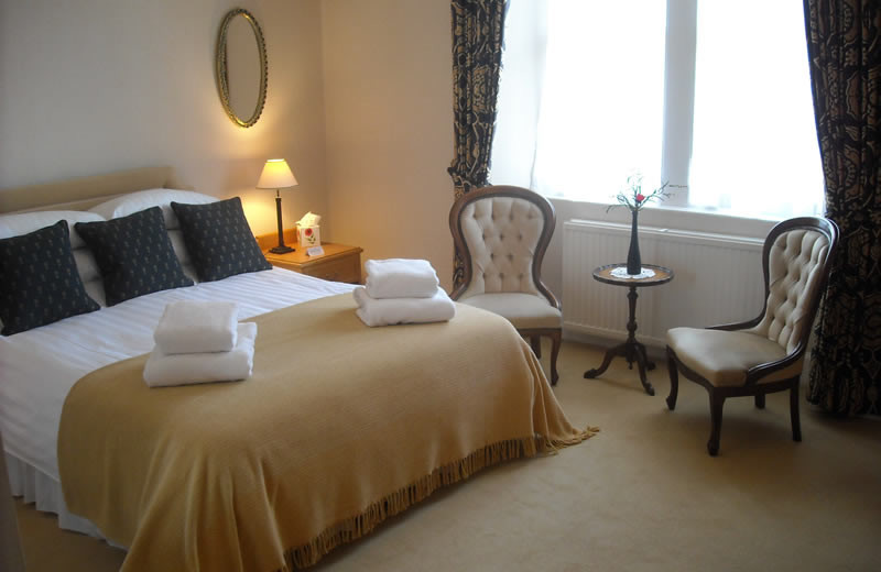 Guest room at Ballifeary House.