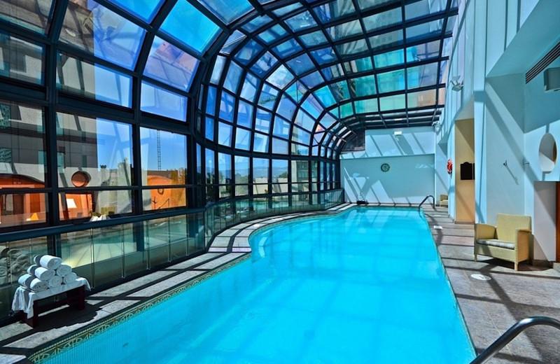Indoor pool at Hotel Marquis Reforma.