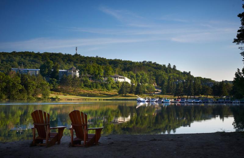 Exterior view of Deerstalker Resort.