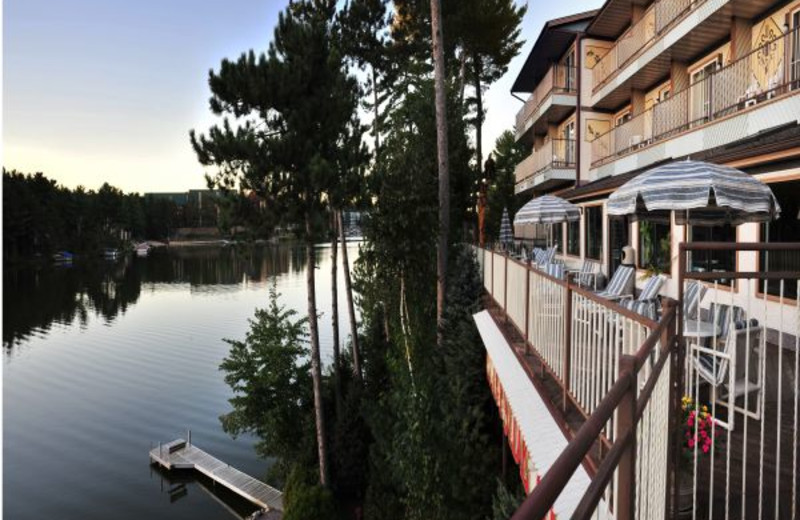 Exterior view of Cliffside Resort.