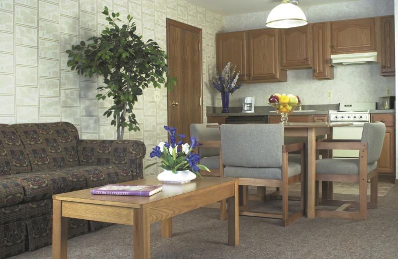 Guest room at Lakewood Shores Resort.
